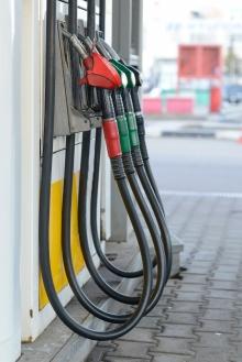 Pompes à essence en rangée. Photo: Thinkstock.com